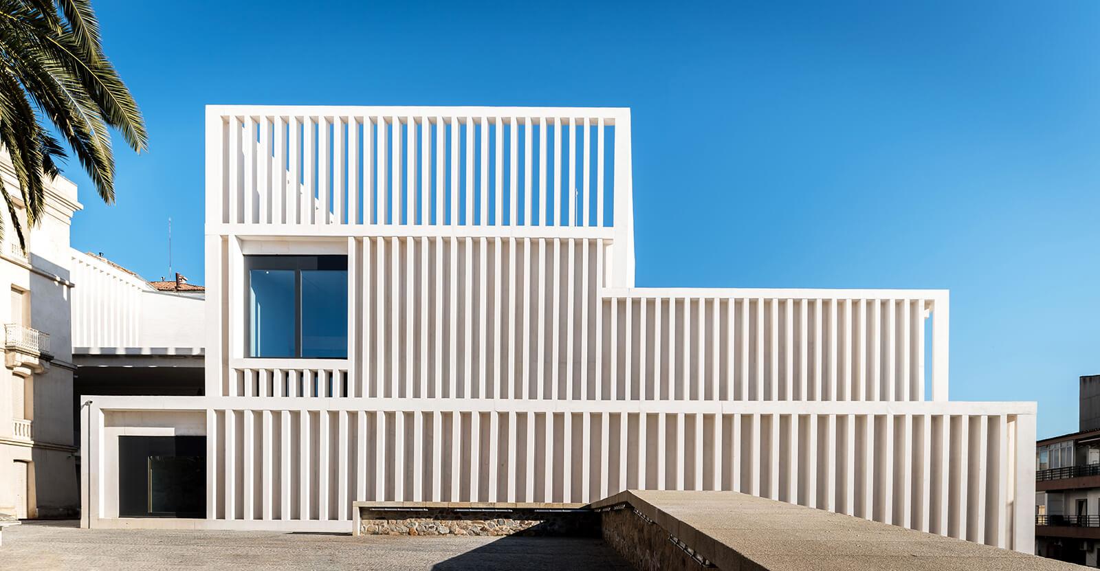 Museo de Arte Contemporáneo Helga de Alvear  - 00 30