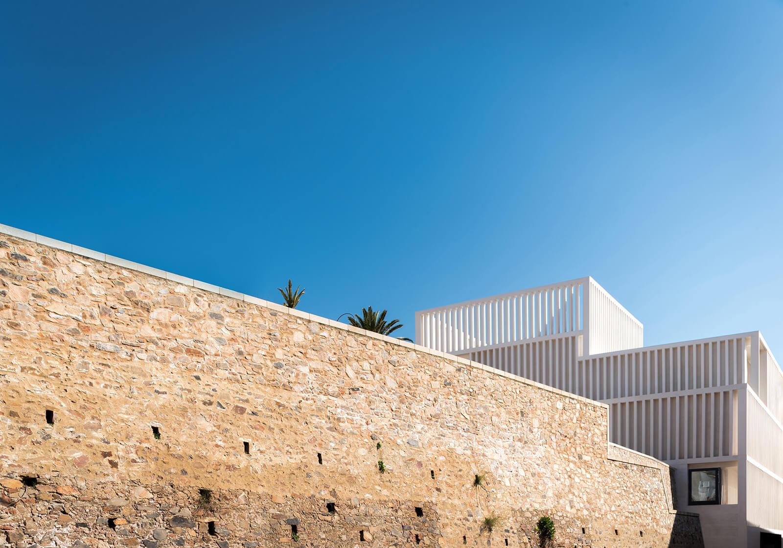 Museo de Arte Contemporáneo Helga de Alvear  - 2 34