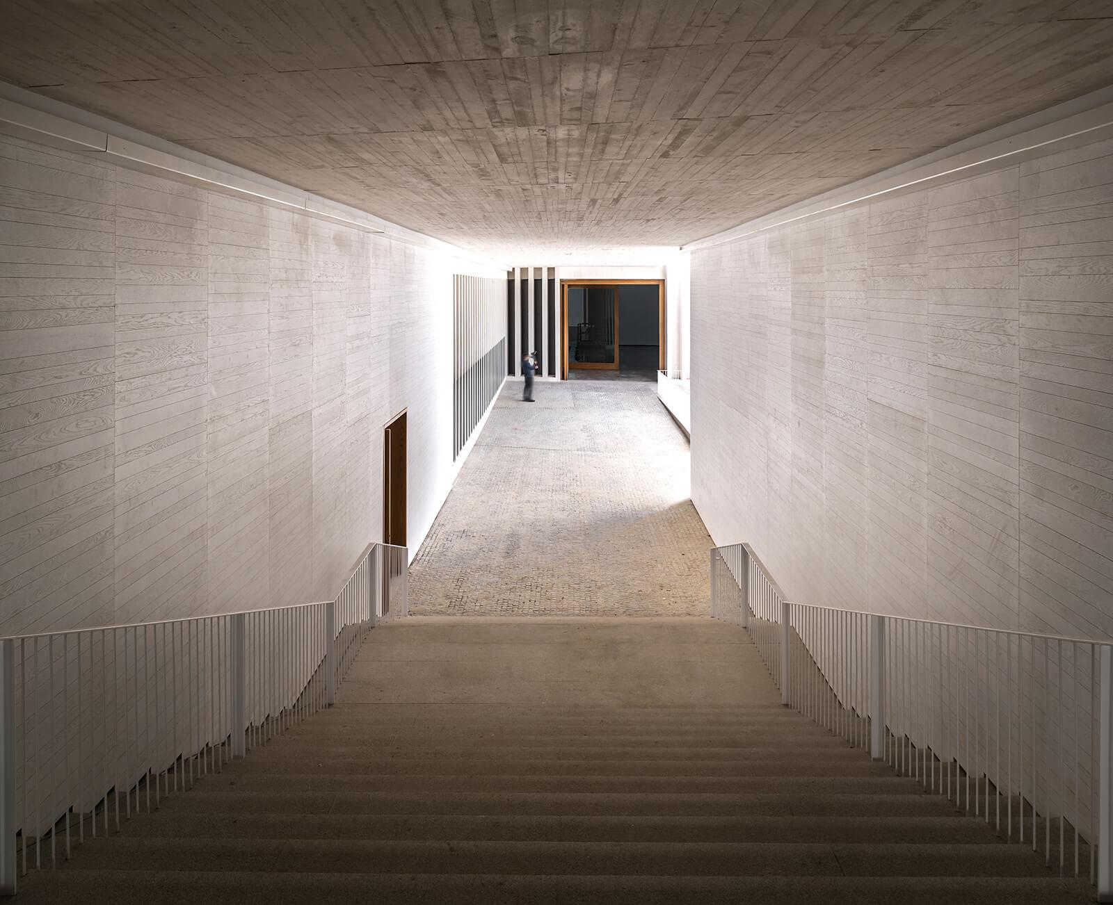Museo de Arte Contemporáneo Helga de Alvear  - 7 1 46