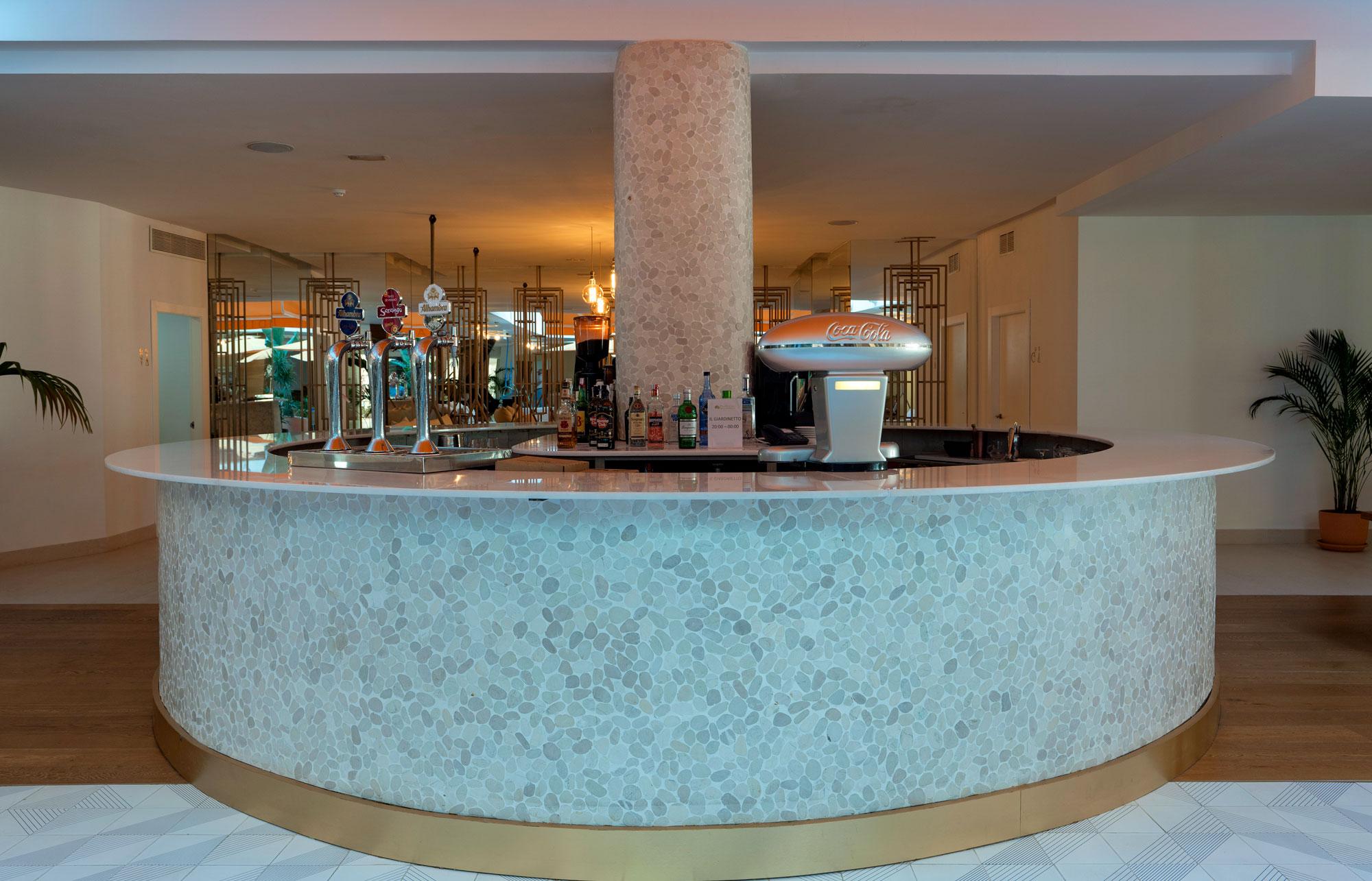 Hotel Mediterráneo  - Hotel Mediterraneo Park 13 Dekton Silestone Piedra Natural Cosentino 192