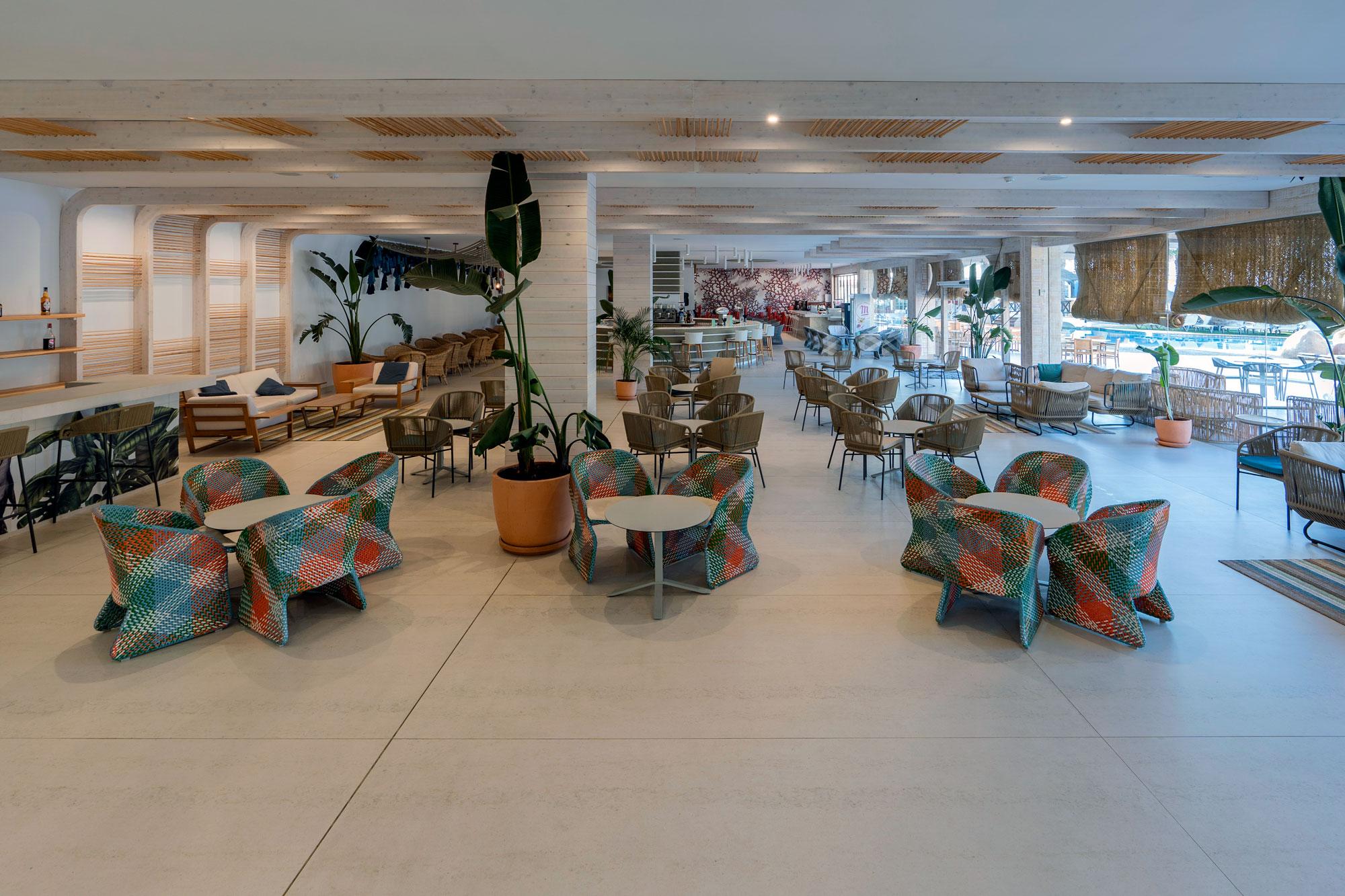 Hotel Mediterráneo  - Hotel Mediterraneo Park 8 Dekton Silestone Piedra Natural Cosentino 51
