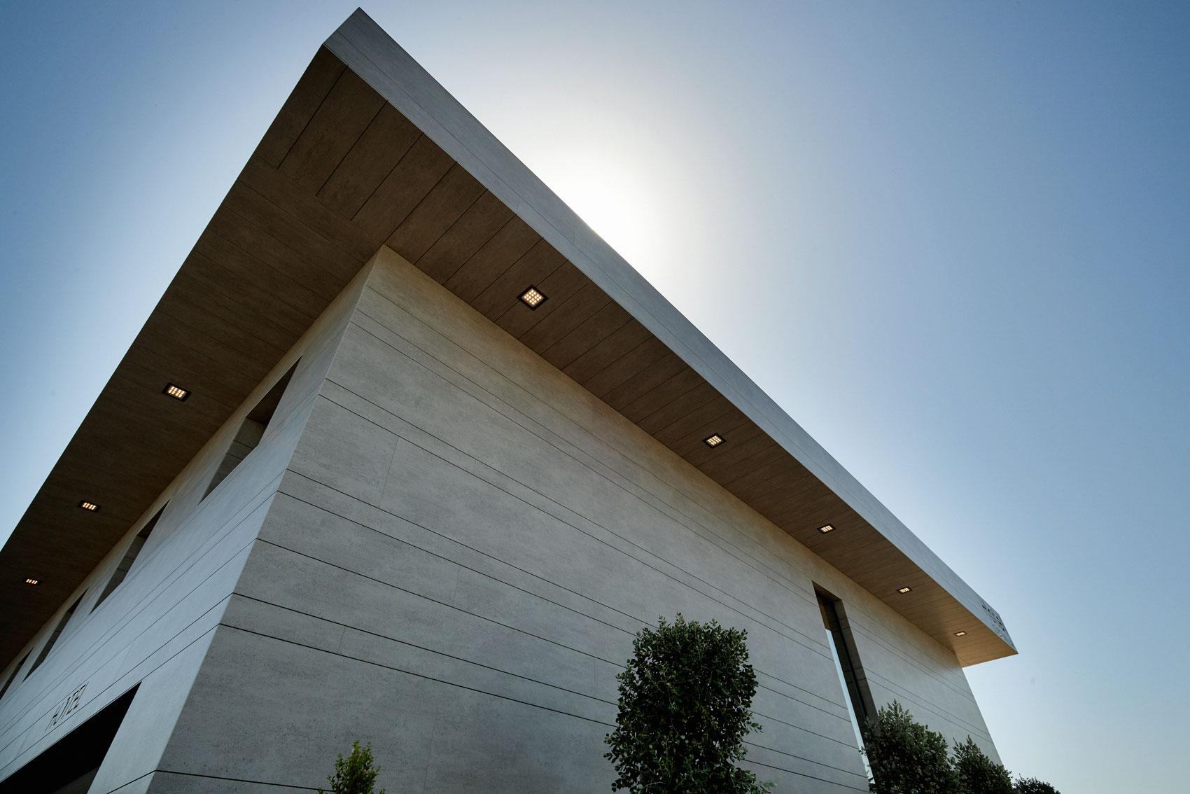 Fachadas que se adaptam  - cosentino 161 fachada principal DSC 0004 43