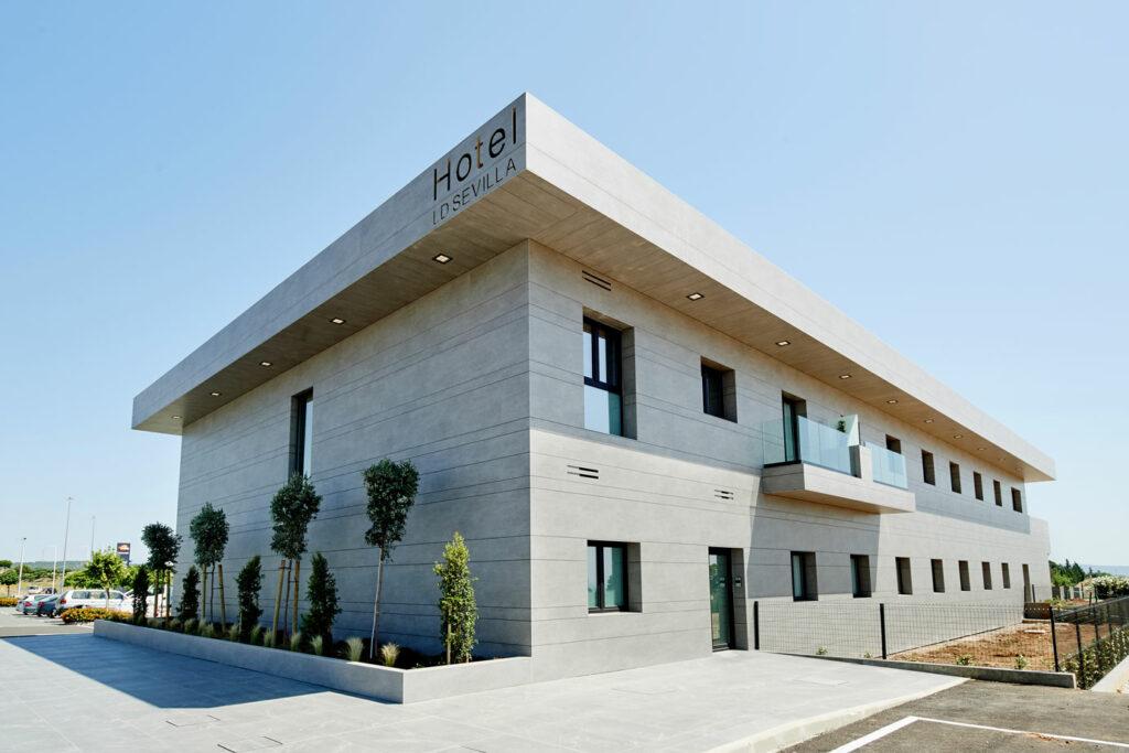 LD Sevilla  - cosentino 186 fachada frontal lateral DSC 0029 348