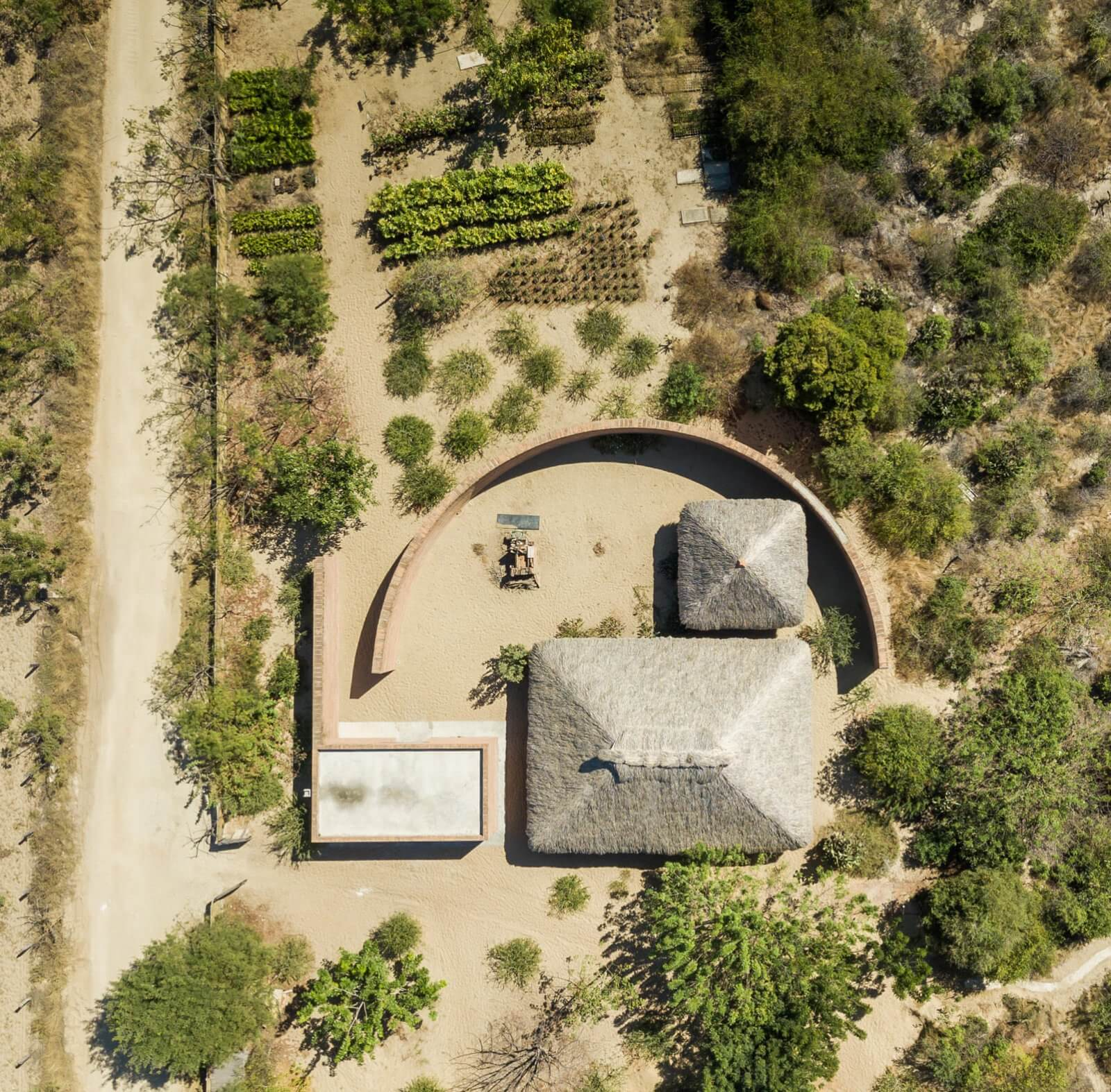 Clay Pavilion  - siza pabellon casa wabi mexico 0 30