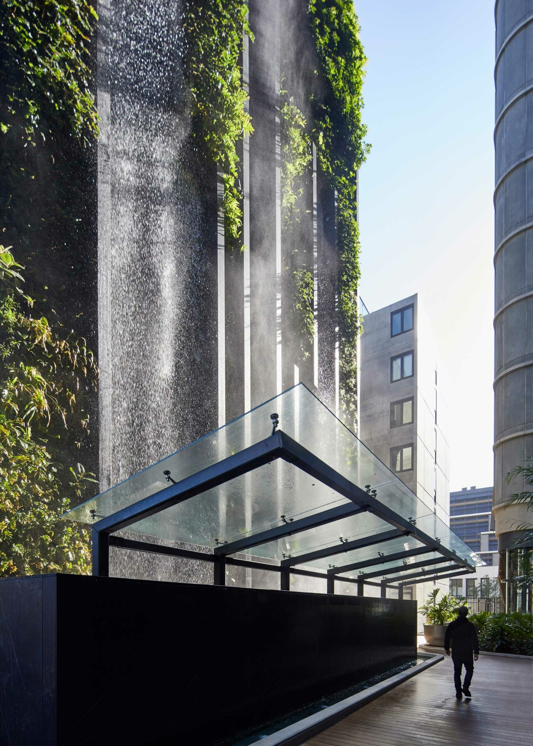 Urban waterfall  - Waterfall Dekton 1 scaled 167
