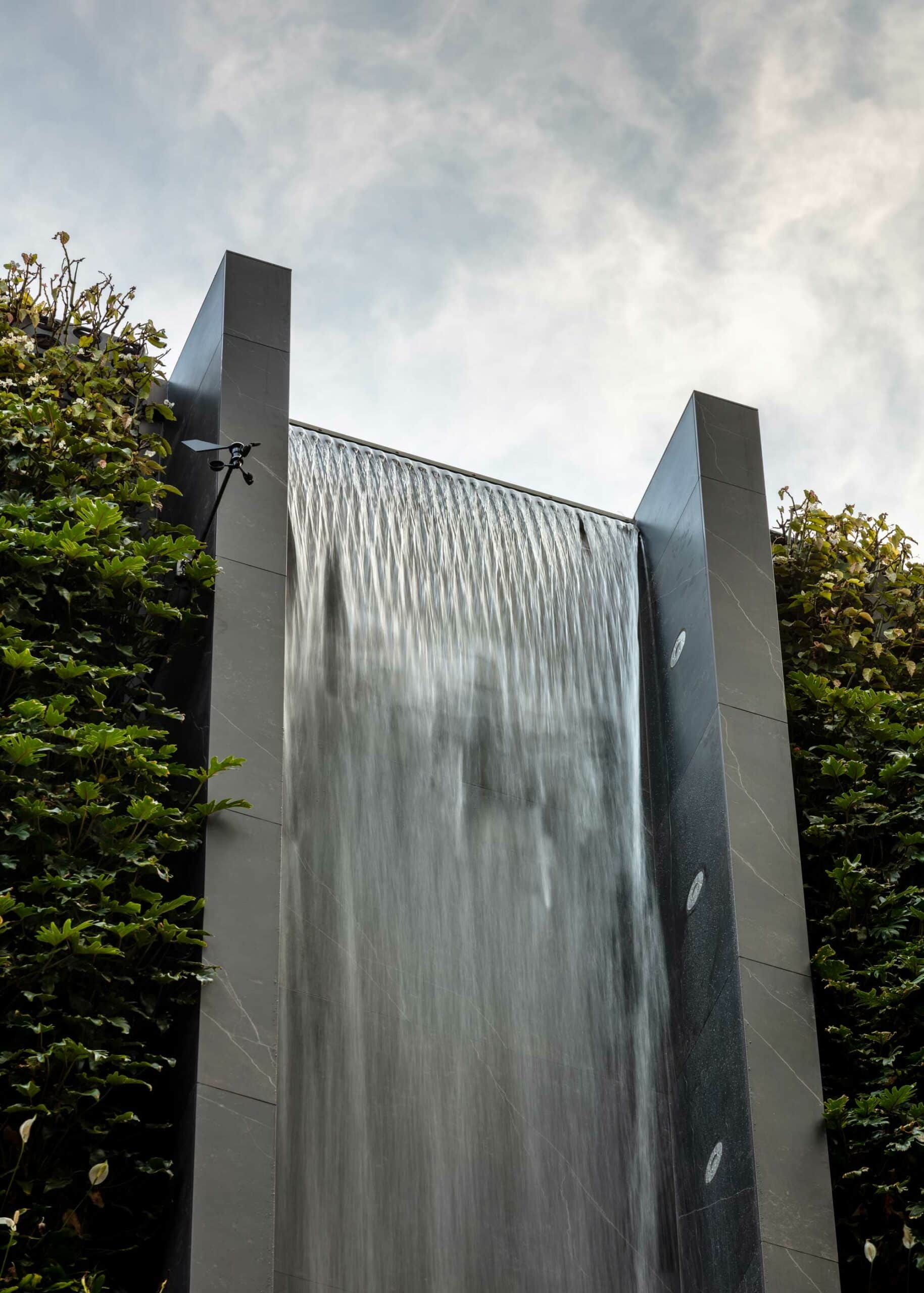Urban waterfall  - Waterfall Dekton 5 scaled 163